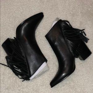 Steve Madden Shoes - Steve Madden Countryy Black Leather